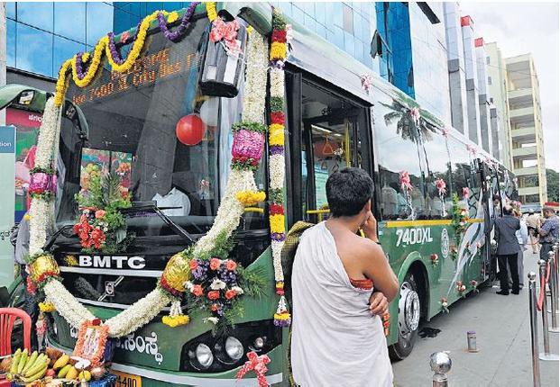 volvo 7400XL BMTC Multi Axle City bus