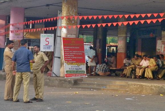 ksrtc-staff-on-a-hartal-day