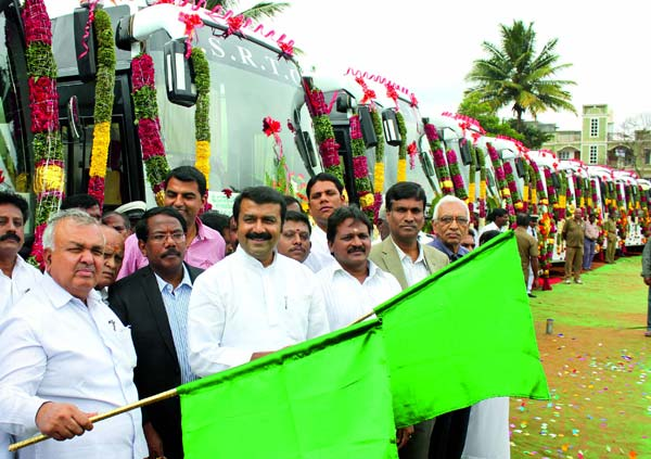 karnaraka-rtc-bus-inauguration