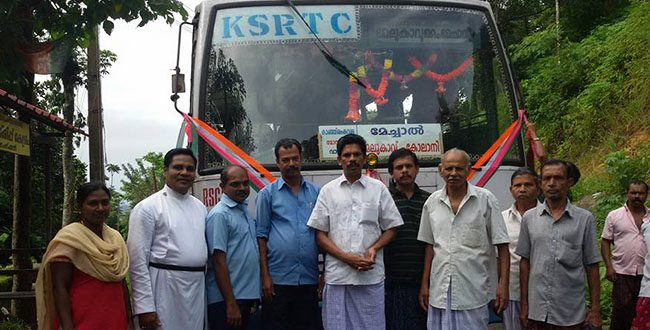 Villagers celebrated 5th Anniversary of a KSRTC Service at Melukavu