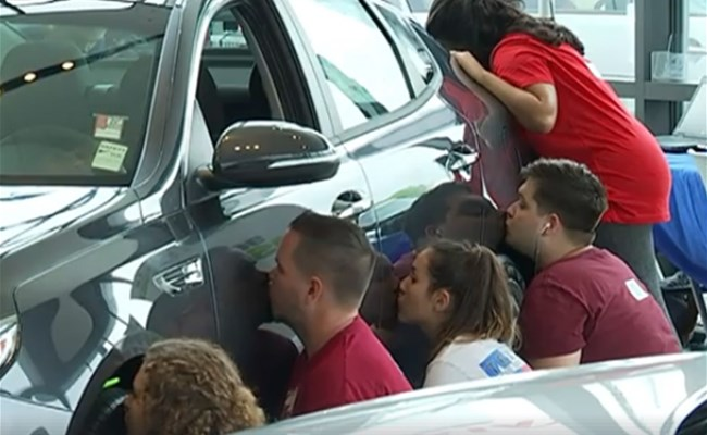 Round Rock Kia >> This woman won a car by kissing it for 50 hours — here's ...